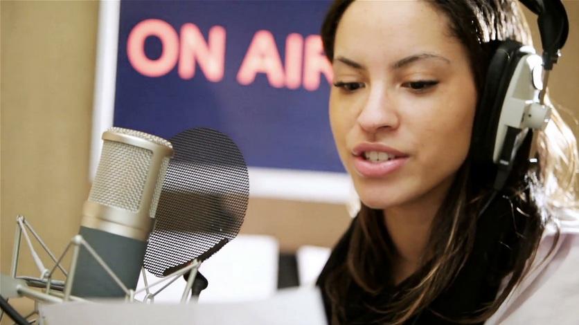 Menjadi Penyiar Radio