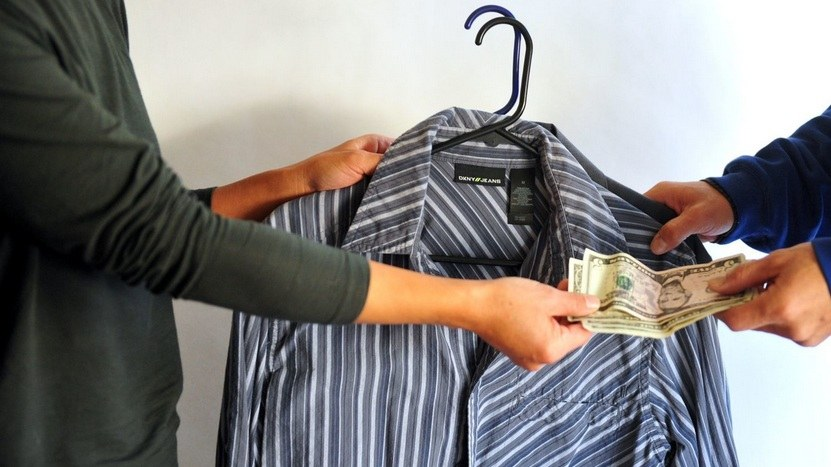 Menjual Pakaian